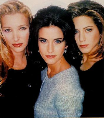 Phoebe-Monica-Rachel-friends-23693823-353-400