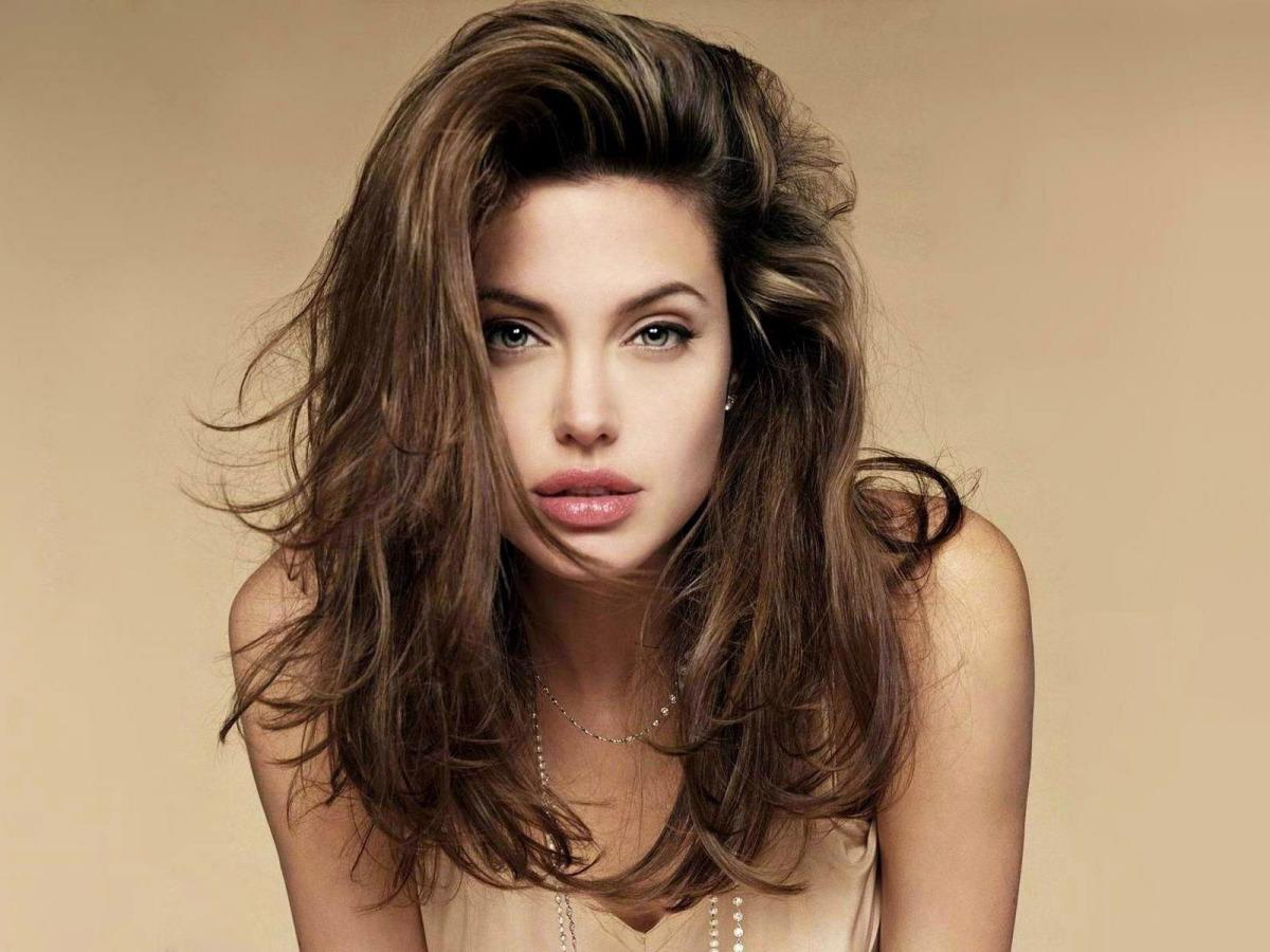 O que não sabias sobre….Angelina Jolie