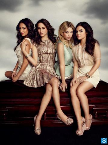 Pretty-Little-Liars-Season-4-New-EW-Cast-Promotional-Photos-2_595_slogo