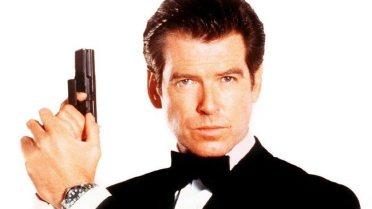 """O laço fica melhor em Pierce Brosnan quando interpretou 007 em 1995 no filme """"GoldenEye""""."""