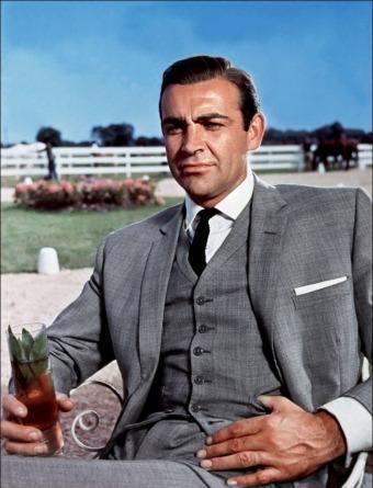 """O mítico fato cinzento que Sean Connery utilizou em 1964 no film """"Goldfinfer"""" ainda é hoje muitas vezes lembrado."""