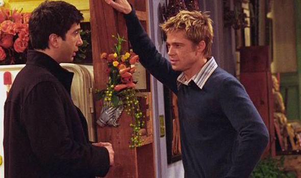 """Brad Pitt foi das presenças mais interessantes. Na altura ainda casado com Jennifer Aniston, juntamente com Ross tinha formado o clube """"odiamos Rachel""""."""