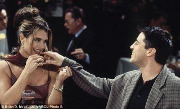 Brooke Shields interpretou durante a temporada 2, uma mulher confusa sobre a identidade de Joey, confundindo-o com a sua personagem no ecrã Dr. Drake Ramone.