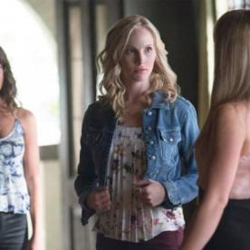 "Candice Accola engravidou na vida real e na série ""Vampire Diaries"" também."