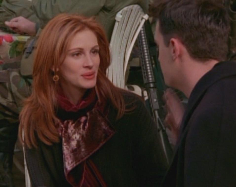 Julia Roberts foi Susie Moss durante a 2ª temporada uma mulher que pertencia ao passado de Chandler.
