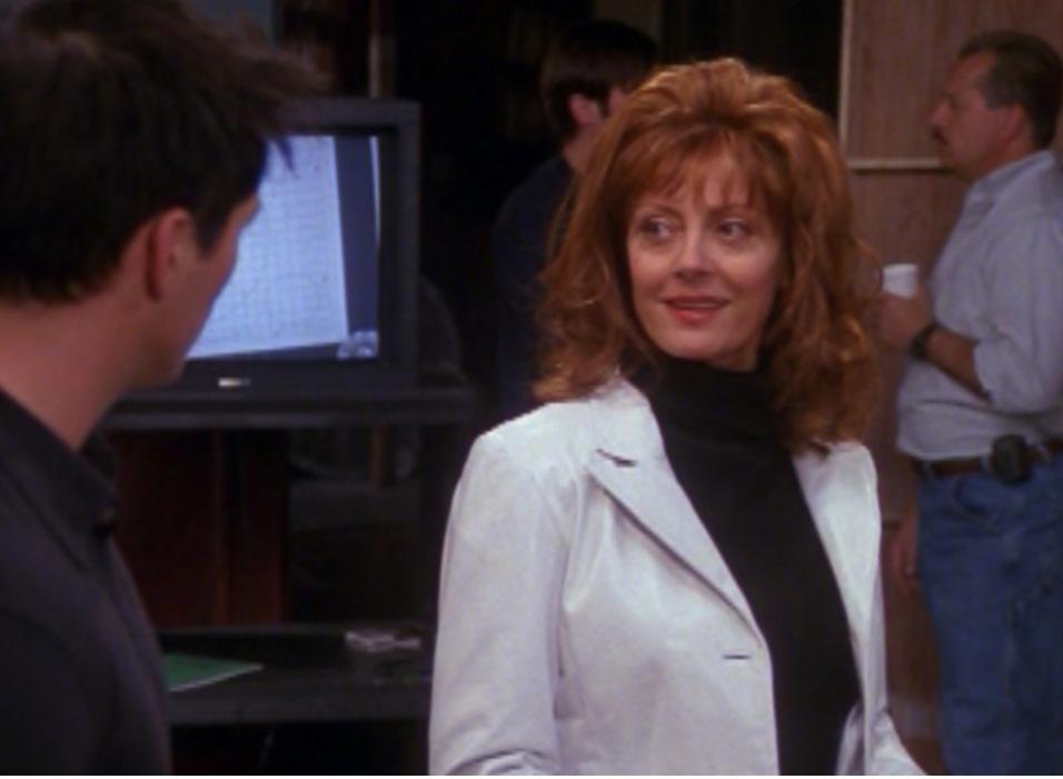 Susan Sarandon não resistiu aos encantos de Joey na série. Era Cecilia uma atriz de telenovelas.