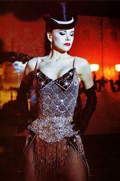 Na primeira apresentação não falta o brilho e glamour, afinal ela era a bailarina principal.