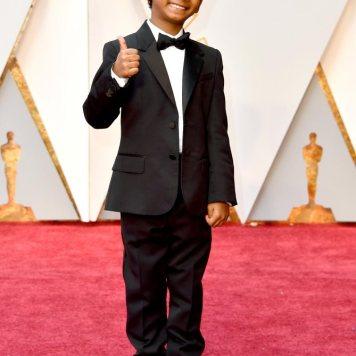 Sunny Pawar apareceu sorridente na passadeira vermelha, O menino de 8 anos estava à vontade com as câmaras.