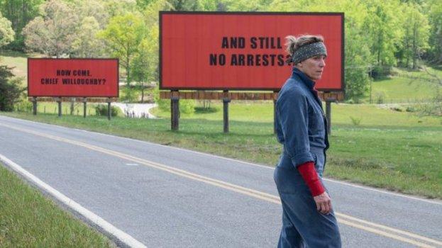 3 cartazes a beira da estrada-2