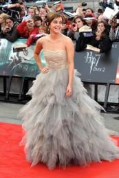 Na exibição do último filme da saga Harry Potter a atriz estava maravilhosa. Com forte vestido de princesa em tule da Oscar de la Renta. Estava linda.