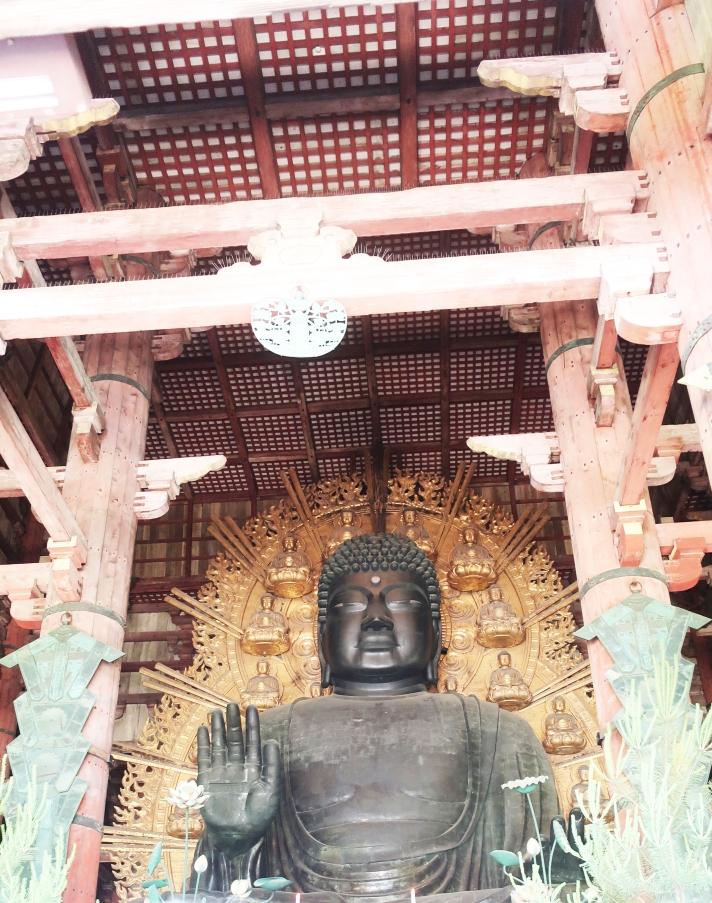 Estátua do Grande Buda com 14 metros.